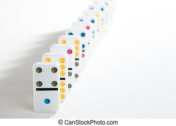 ligne, dominos, fond, coloré, blanc
