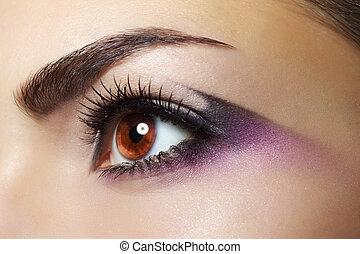 lila, auge, makeup., schöne , auge verfassung, aufschließen