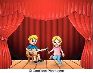 lille dreng, spille guitar, og, sang, pige, dansende
