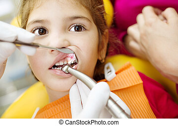 lille pige, er, har, hende, tænder, efterset, af, tandlæge