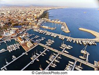 limassol, jachthaven, luchtopnames, cyprus, aanzicht