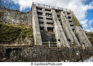 Lime Kiln - Lime kiln at Miller's Dale on the Monsal trail,...