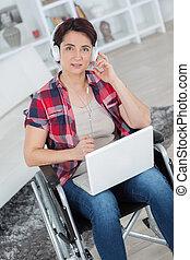 limitou, laptop, mulher