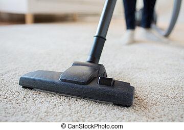 limpiador, mujer, hogar, arriba, vacío, cierre, piernas