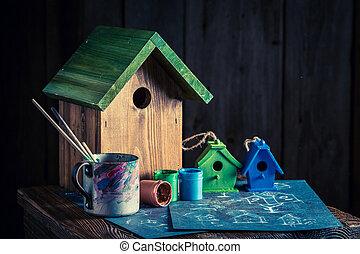 lindo, él, alimentador, plan, pequeño, pájaro, construya