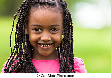 lindo, al aire libre, gente, -, arriba, joven, negro, africano, cierre, retrato, muchacha que sonríe