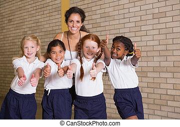 lindo, alumnos, uniforme, cámara,  PE, sonriente