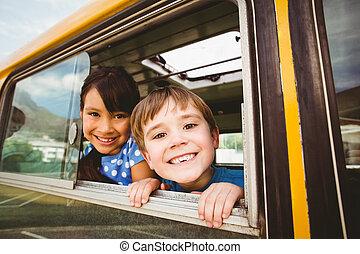 lindo, escuela, alumnos, autobús, cámara, sonriente