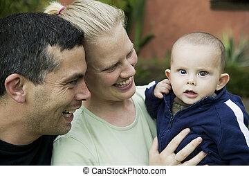 lindo, familia , niño, mezclado, hispano, bebé