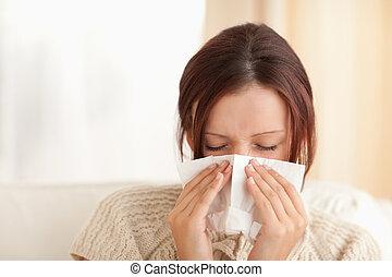lindo, mujer, estornudar