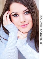 lindo, mujer, suéter, joven, tibio, retrato