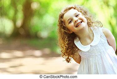 lindo, nena, brillado, con, felicidad, pelo rizado,...