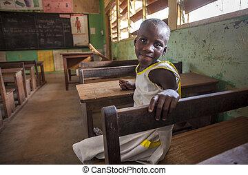 lindo, niña, en, ella, escuela, en, áfrica