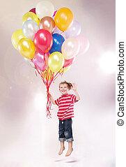 lindo, pequeño, niño, el asomar, por, el, globos