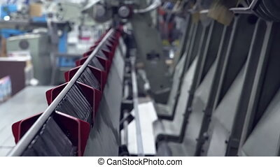 line conveyor printing factory - typography equipment in...