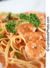 linguine pasta with shrimps in tomato sauce
