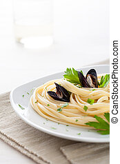 Linguine with Mussels, a Traditional Italian Dish