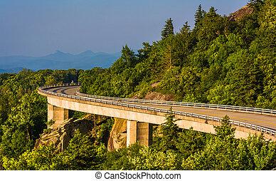linn の入江のviaduct, 上に, ∥, 青い峰遊歩道, 中に, 北, carolina.