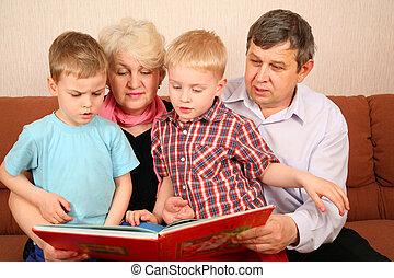 lire, grands-parents, livre, grandcgildren