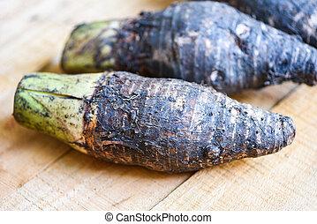 listo, mesa., raíz, de madera, crudo, marrón, cocinero, taro, orgánico