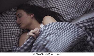 lit, elle-même, matin, girl, femme, elle, après, réveille, étirage, haut, 20s, sleeping.