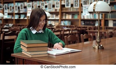 lit, femme, intelligent, bibliothèque