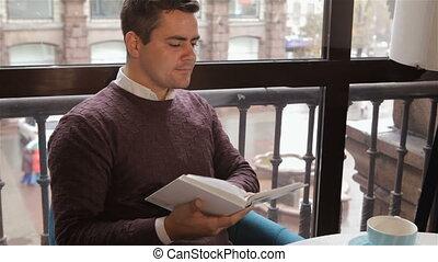 lit, livre, café, homme
