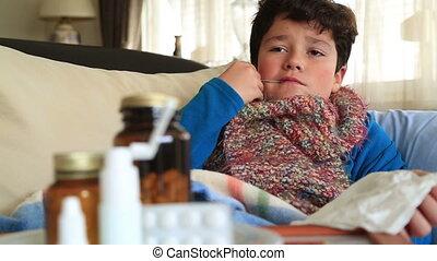 lit, mensonge, enfant, malade, bouche, thermomètre