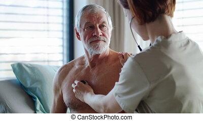 lit, personne agee, examiner, docteur, hospital., femme, patient