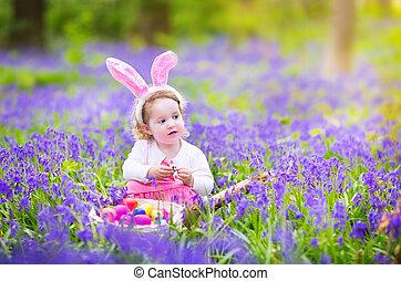 liten flicka, hos, påsk ägg jaga