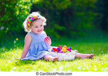 liten flicka, på, påsk ägg jaga