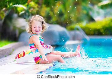 liten flicka, slå samman, simning