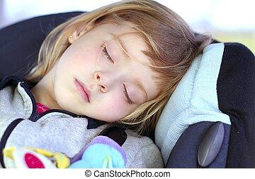 liten flicka, sova, på, barn, bil, säkerhet, säte