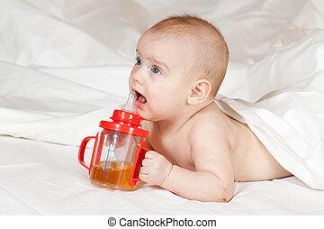 litet, baby flicka, flaska