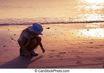 litet, havsstrand, flicka