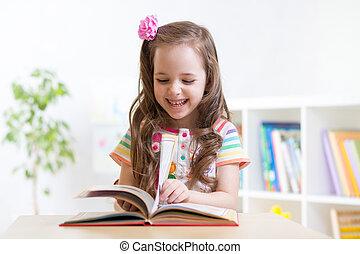 litet, student, flicka, studera, hos, förskola