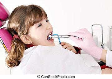 litet, tålmodig, tandläkare, flicka