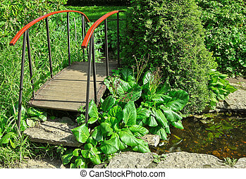 litet, trä bro, in, a, trädgård
