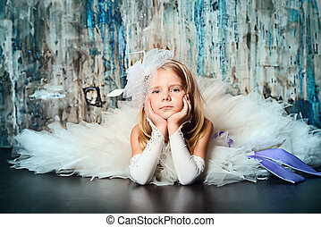 litlle vogue - Art portrait of a pretty little girl wearing...