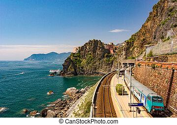 litoral, treine estação, em, pitoresco, seascape, vista.