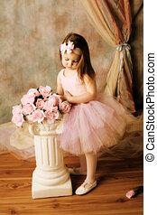 Little ballerina beauty - Adorable little girl dressed as a...