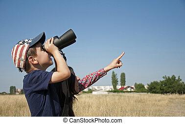 Little boy Binoculars