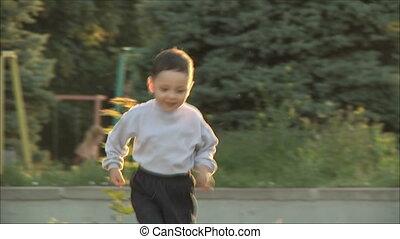 little boy runs to her mother 1