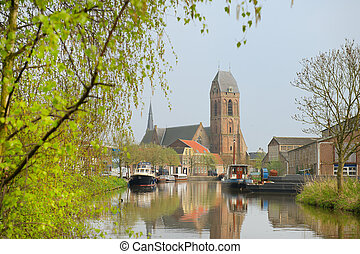Little Dutch village Oudewater with water and boats