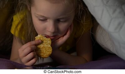 Little Girl Eat At Night - Little girl eat at night watching...