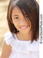 Little girl in the beach
