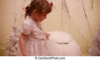 little girl, snowman balls - Little girl, snowman balls