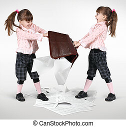 little twin girls fighting