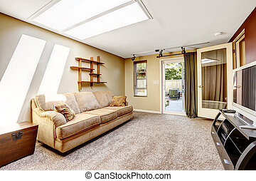 Living room with skylight and exit to backyard, Comfortable...