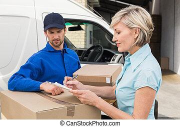 livraison, client, heureux, homme